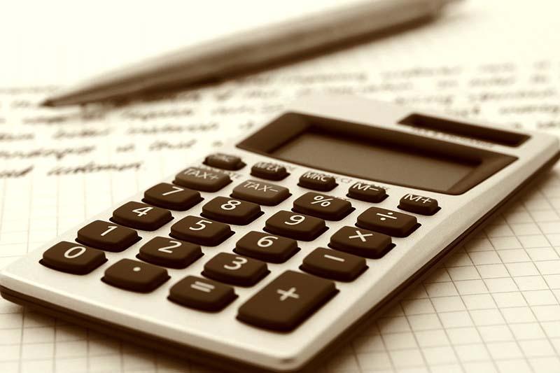 So überprüfen Sie Ihre Steuerberaterkosten
