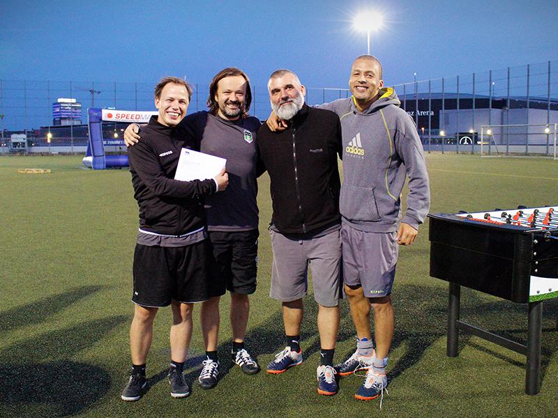 felix1.de-Team kickt beim Hertha BSC Sponsoren Cup